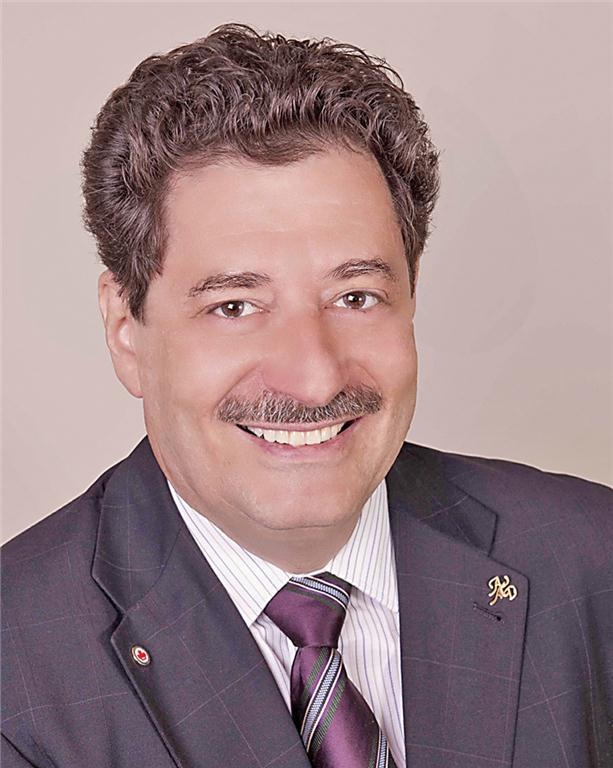 """Dr. George Freedman is a founder and past president, American Academy of Cosmetic Dentistry; co-founder, Canadian Academy for Esthetic Dentistry; and Diplomate, American Board of Aesthetic Dentistry. Author or co-author of 12 textbooks, including """"Contemporary Esthetic Dentistry"""" (Elsevier), and more than 700 articles, he is a REALITY Team Member. An internationally recognized lecturer on esthetics, technology, and dental materials, he was awarded NYU College of Dentistry's Irwin Smigel Prize in Aesthetic Dentistry. A McGill graduate, Dr. Freedman is a Regent and Fellow of the IADFE and maintains a private practice limited to Esthetic Dentistry in Toronto."""